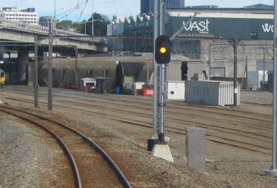 Signal 145 at yellow (heading to Wellington Station). Credit TAIC.