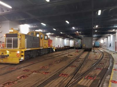 Photo of the rail deck on the Aratere